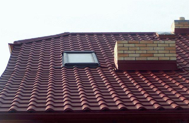 Как покрыть ломаную крышу металлочерепицей