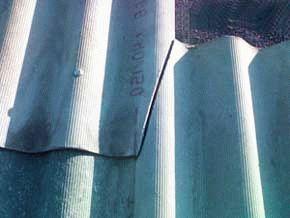 Как крыть крышу шифером своими руками правильно