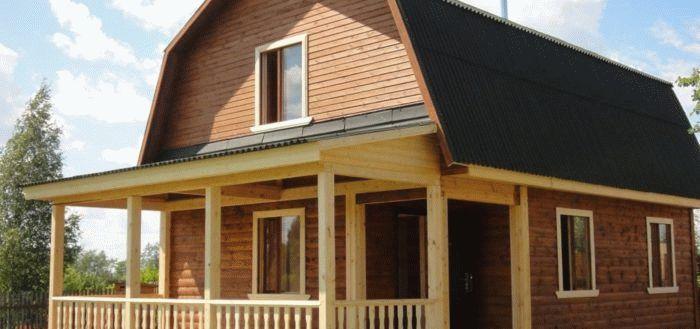 Ломаная крыша с балконом